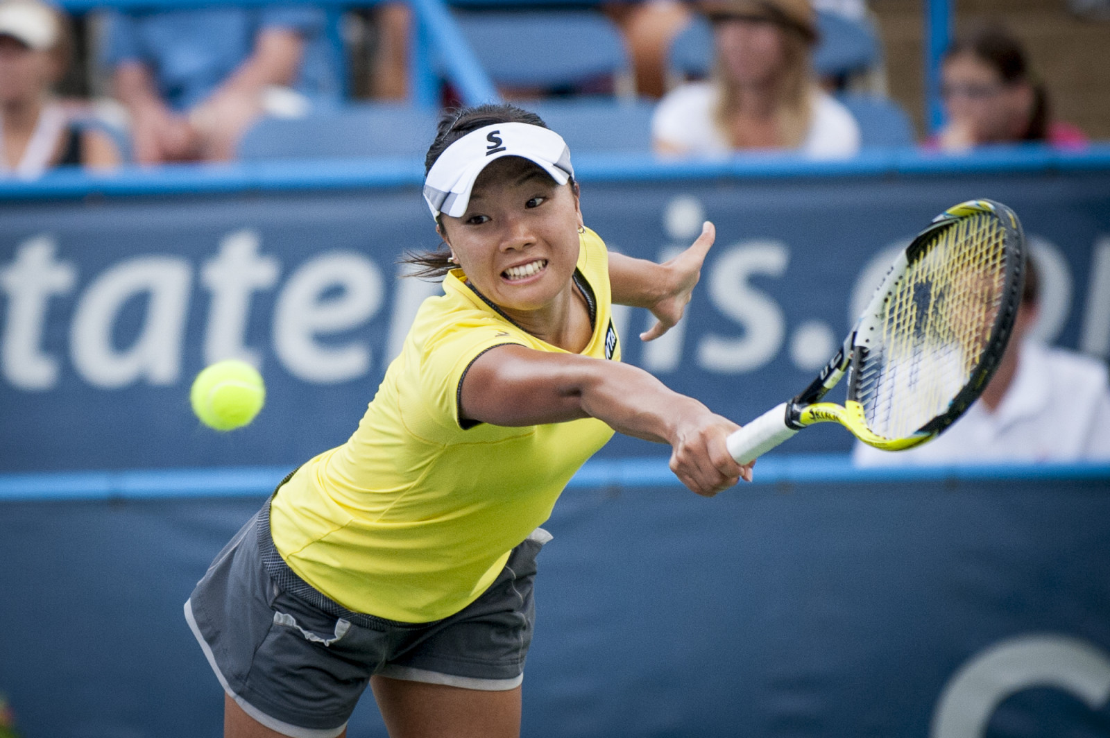 Kurumi Nara of Japan returns a shot to Svetlana Kuznetsova of Russia during their finals singles match at the Citi Open ATP tennis tournament in Washington, DC, USA, 3 Aug 2014. Kuznetsova won the women's final 6-3, 4-6, 6-4.